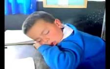Oglum niye uyudun? :D
