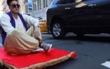 Alaaddin Sihirli Halısı ile New York Sokaklarında..