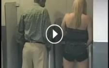 Erkekler Tuvaletine Giren Kadını Görenler Şok Oldu!