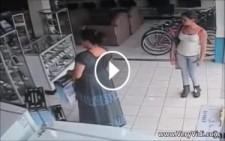 Hırsız Kadın Bakın Koca Kutuyu Neresine Sakladı!
