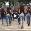 Sokak Ortasında Çılgınca Dans Eden Kızlar