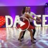 İzleyenlerin Başını Döndüren Dans Şovu