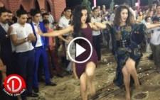 Azeri Kızlar Ortalığı Karıştırdı..!!!